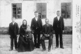 Hostinský Jakub Tlapa a jeho rodina r. 1904